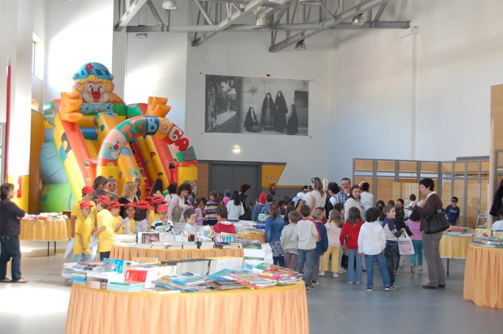 feira-do-livro-2011-3c2badia-142